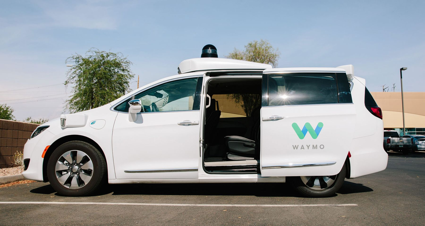 A Waymo LLC Chrysler Pacifica